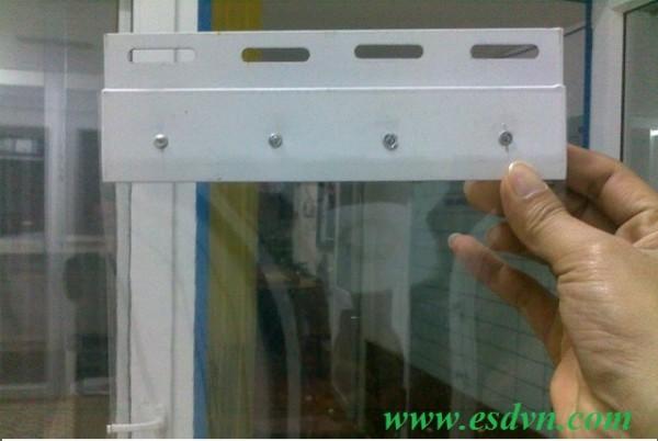 Màn Nhựa PVC Và Bát Treo Sắt